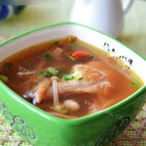 灵芝红枣老鸡汤