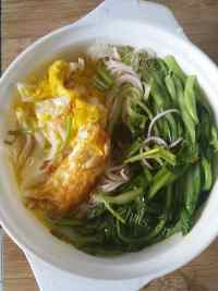 美味的青菜鸡蛋面