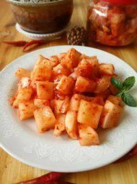 美味的韩式辣萝卜