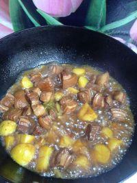 鲜美可口的红烧肉炖土豆