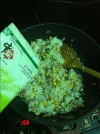 简单的虾仁炒饭