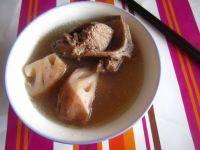 家常猪骨莲藕汤