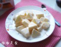 自己做的酸奶拌苹果