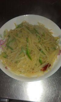 家常菜尖椒土豆丝