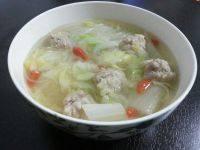 自制肉丸白菜汤