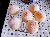 诱人的蜜豆面包