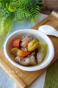 美味的板栗鸡汤