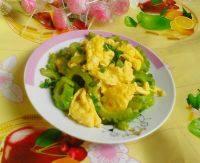 百吃不厌的鸡蛋炒苦瓜