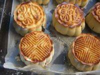 DIY莲蓉蛋黄月饼
