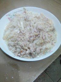 在家做的金针菇炒肉