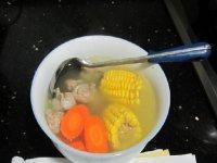 胡萝卜玉米排骨汤(原创)
