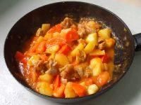 家常菜番茄烩牛腩