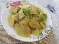 家常菜尖椒土豆片