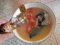 美味的番茄鱼头汤