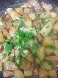 自制土豆烧肉