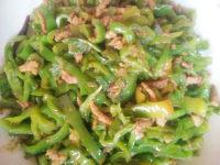 营养丰富的尖椒炒肉丝