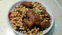 家常黄豆炖猪蹄