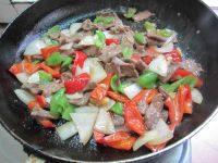 家常小炒牛肉