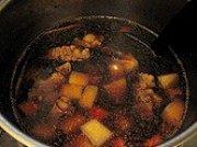 家常菜土豆牛腩煲