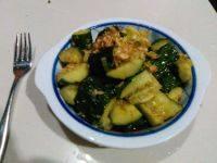 家常菜凉拌拍黄瓜