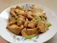 家常菜炒豆腐