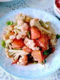家常的西红柿炒菜花