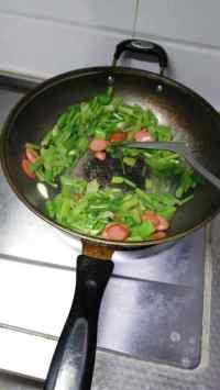 家常菜炒芹菜