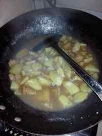 开胃的土豆烧肉