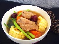 美味的排骨玉米胡萝卜汤