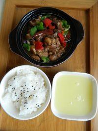 美味的黄焖鸡米饭