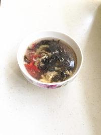 美味的鸡蛋紫菜汤