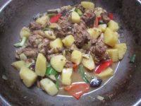 简易版-鸡肉炖土豆