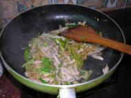 家常菜酸菜炒猪肚