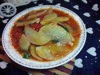 家常菜番茄炒土豆片