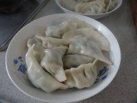 自己做的韭菜肉饺子