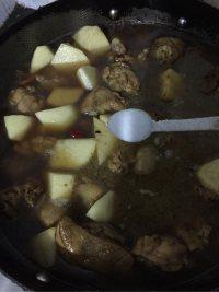 家常菜鸡腿炖土豆