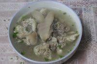 营养丰富的猪蹄汤