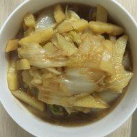 家常菜白菜炖土豆