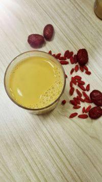 养生的红枣枸杞豆浆
