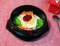 十分诱人的韩式石锅拌饭