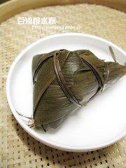 美味的豆沙枧水粽