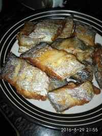 香喷喷的炸带鱼