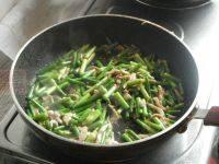 家常菜苔苔苔炒肉丝