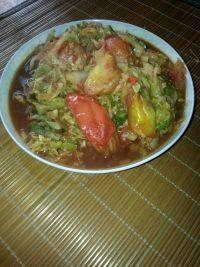 家常菜圆白菜炒西红柿