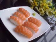 很有食欲的三文鱼寿司