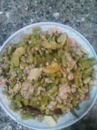 家常菜肉末酸豇豆