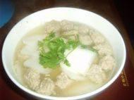 美味的萝卜肉丸汤