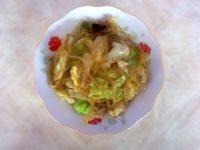 健康的圆白菜炒粉条