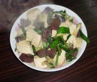 家常菜猪血豆腐