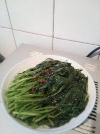 家常菜炒红薯叶